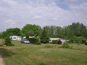 Campingstellplätze in der Sonne