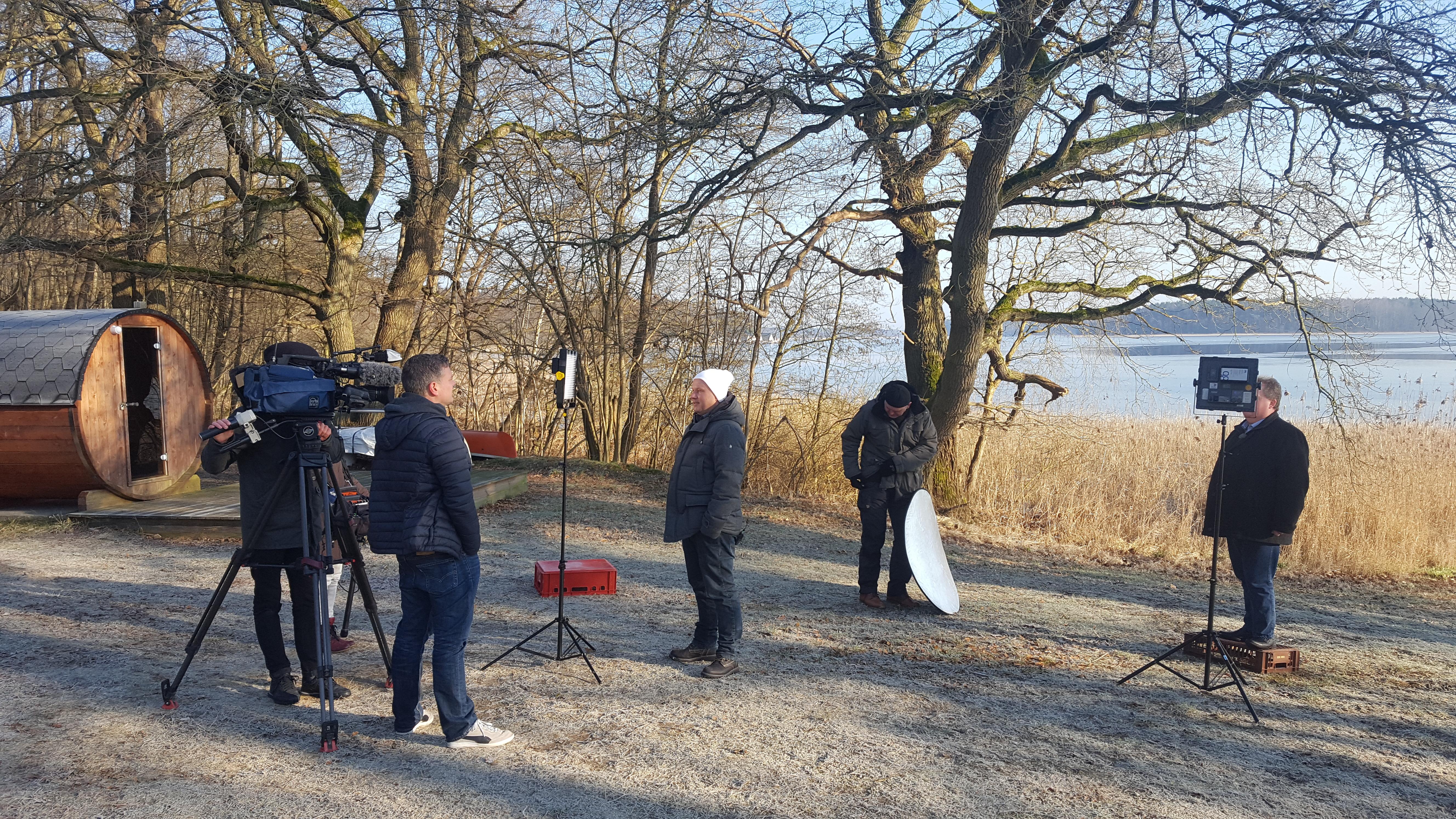 Filmteam NDR Nordmagazin Kurtaxe Ferienidyll am Rätzsee- Camping bei Motte