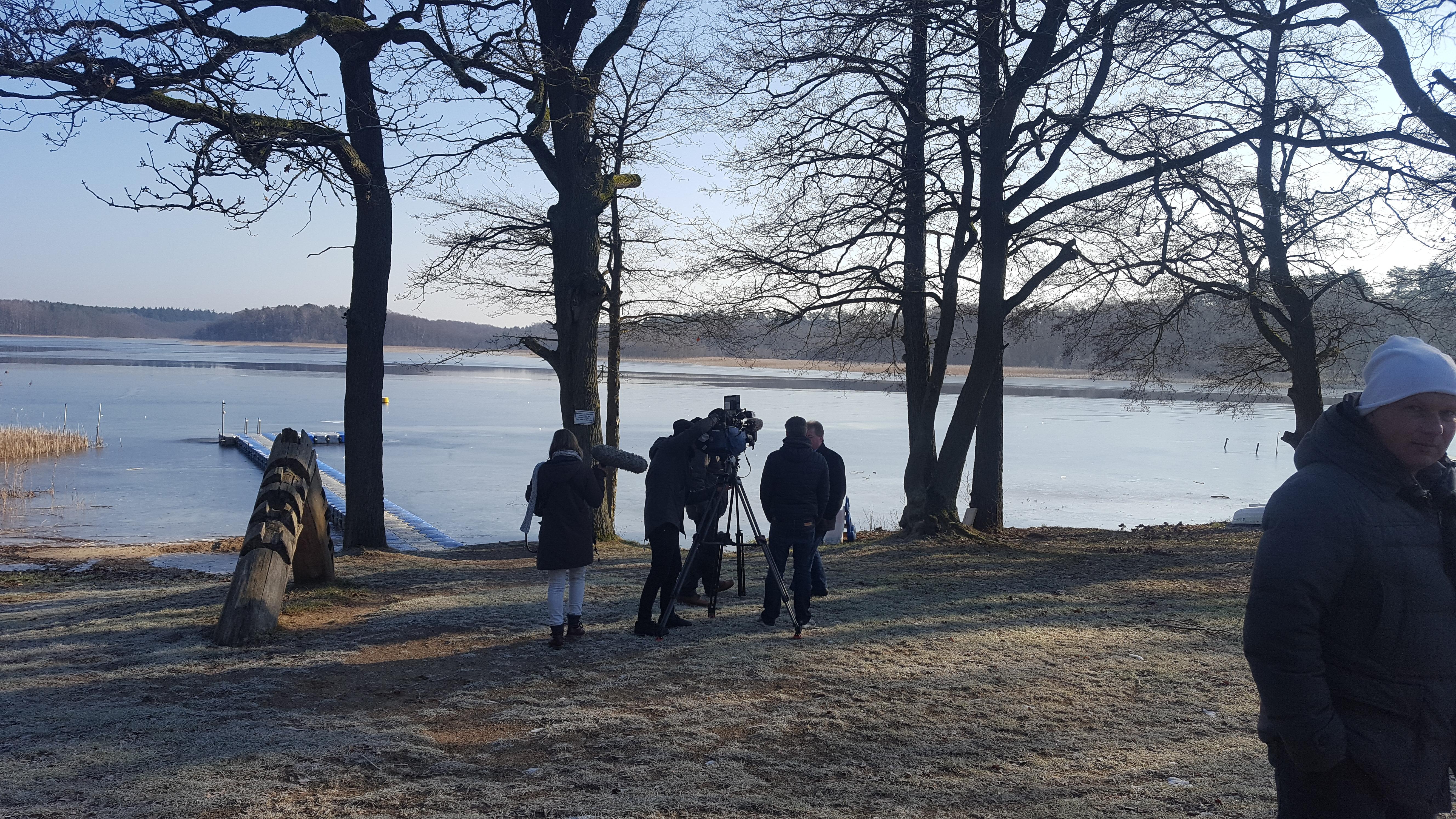 Filmteam NDR Nordmagazin Kurtaxe Ferienidyll am Rätzsee - Camping bei Motte