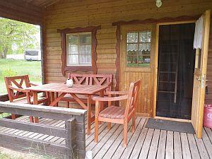 Ferienhütte mit Terasse