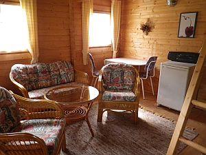 Ferienhütte - Sitzecke im Inneren der Hütte